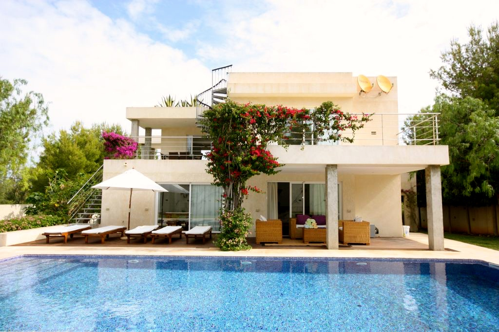 luxury villa in Ibiza close to the beach, Our luxury villa of the month: Bella Mar