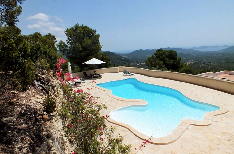 Can Julio es una de nuestras villas m‡s ailsadas en Ibiza - secluded villas in Ibiza - Ibiza Villa