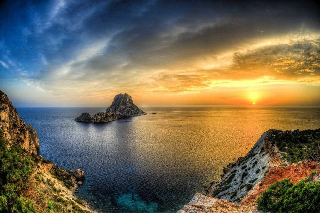 L'isola di Es Vedrà ibiza villa, L'isola di Es Vedrà